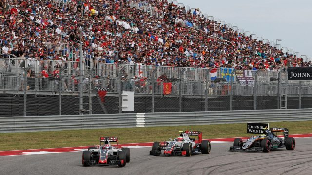 Romain Grosjean (FRA) Haas VF-16 and Esteban Gutierrez (MEX) Haas VF-16 battle with Sergio Perez (MEX) Force India VJM09 at Formula One World Championship, Rd18, United States Grand Prix, Race, Circuit of the Americas, Austin, Texas, USA, Sunday 23 October 2016. &copy&#x3b; Sutton Images