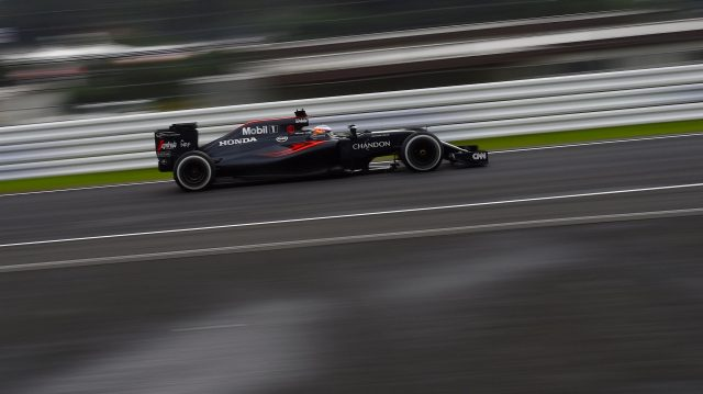Fernando Alonso (ESP) McLaren MP4-31 at Formula One World Championship, Rd17, Japanese Grand Prix, Qualifying, Suzuka, Japan, Saturday 8 October 2016. &copy&#x3b; Sutton Images