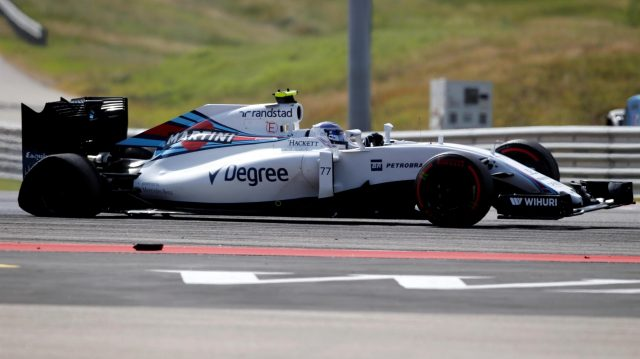 Valtteri Bottas (FIN) Williams FW38 with rear puncture damage after spinning at the start of the race at Formula One World Championship, Rd18, United States Grand Prix, Race, Circuit of the Americas, Austin, Texas, USA, Sunday 23 October 2016. &copy&#x3b; Sutton Images