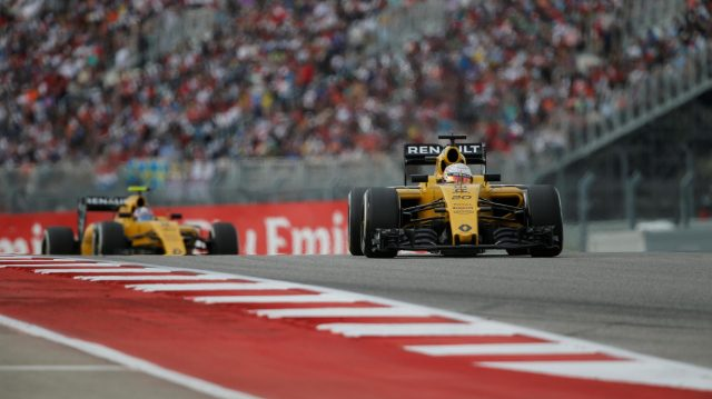 Kevin Magnussen (DEN) Renault Sport F1 Team RS16 leads Jolyon Palmer (GBR) Renault Sport F1 Team RS16 at Formula One World Championship, Rd18, United States Grand Prix, Race, Circuit of the Americas, Austin, Texas, USA, Sunday 23 October 2016. &copy&#x3b; Sutton Images