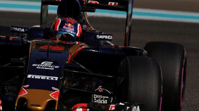 Daniil Kvyat (RUS) Scuderia Toro Rosso STR11 at Formula One World Championship, Rd21, Abu Dhabi Grand Prix, Qualifying, Yas Marina Circuit, Abu Dhabi, UAE, Saturday 26 November 2016. &copy&#x3b; Sutton Images