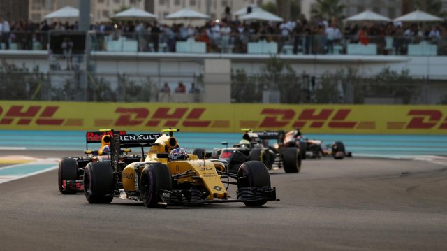 Jolyon Palmer (GBR) Renault Sport F1 Team RS16 at Formula One World Championship, Rd21, Abu Dhabi Grand Prix, Race, Yas Marina Circuit, Abu Dhabi, UAE, Sunday 27 November 2016. &copy&#x3b; Sutton Images