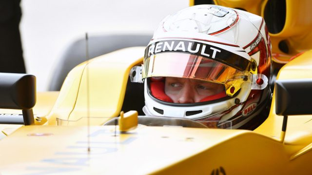 Kevin Magnussen (DEN) Renault Sport F1 Team at Formula One World Championship, Rd20, Brazilian Grand Prix, Qualifying, Interlagos, Sao Paulo, Brazil, Saturday 12 November 2016. &copy&#x3b; Sutton Images