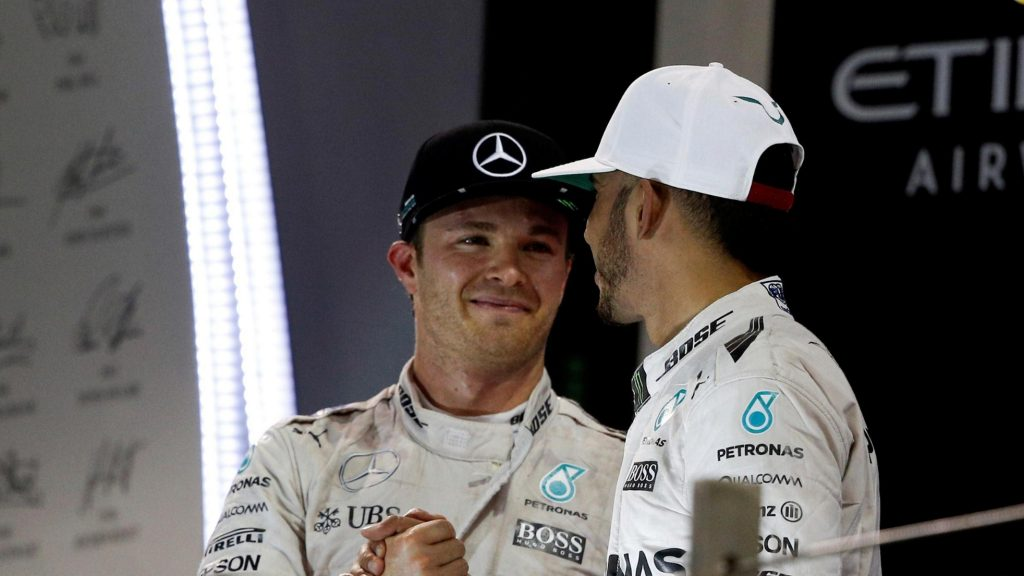 2016%20season%20review%20-%20Rosberg%20walks%20through%20the%20fire
