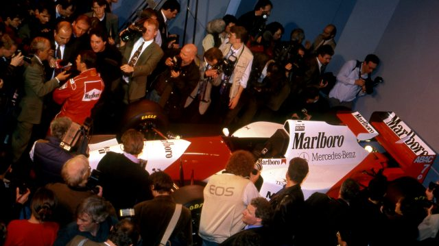 Nigel Mansell (GBR) McLaren talks with the media at McLaren MP4-10 Launch, Science Museum, London, England, 17 February 1995. &copy&#x3b; Sutton Motorsport Images