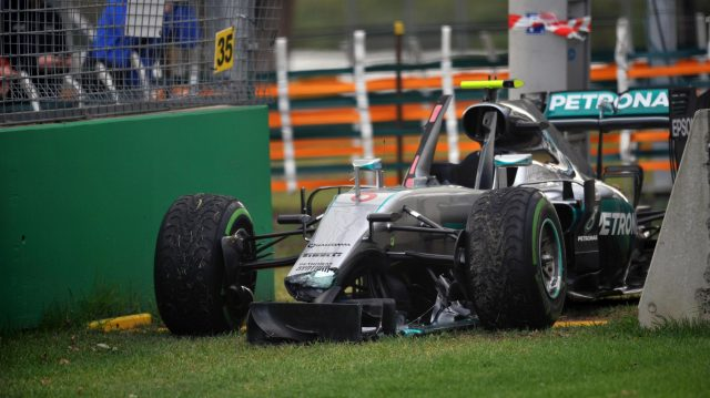 The damaged car of Nico Rosberg (GER) Mercedes-Benz F1 W07 Hybrid at Formula One World Championship, Rd1, Australian Grand Prix, Practice, Albert Park, Melbourne, Australia, Friday 18 March 2016. &copy&#x3b; Sutton Motorsport Images