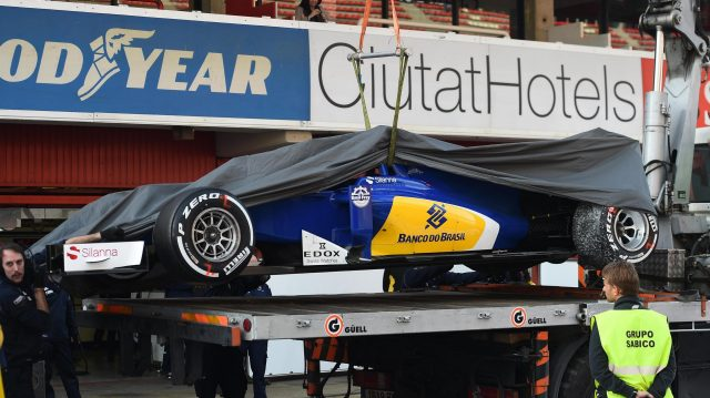 The car of Marcus Ericsson (SWE) Sauber C35 is recovered to the pits at Formula One Testing, Day Two, Barcelona, Spain, Wednesday 2 March 2016. &copy&#x3b; Sutton Motorsport Images