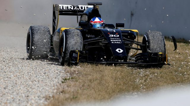 Jolyon Palmer (GBR) Renault Sport F1 Team RS16 spins through the gravel at Formula One Testing, Day Three, Barcelona, Spain, Thursday 3 March 2016. &copy&#x3b; Sutton Motorsport Images