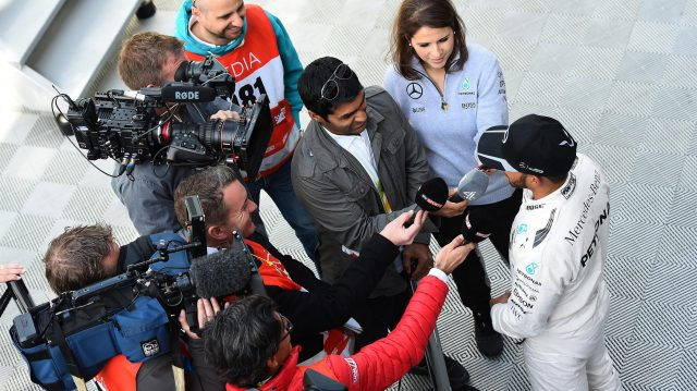 Lewis Hamilton (GBR) Mercedes AMG F1 talks with Karun Chandhok (IND) at Formula One Testing, Day Four, Barcelona, Spain, Friday 4  March 2016. &copy&#x3b; Sutton Motorsport Images
