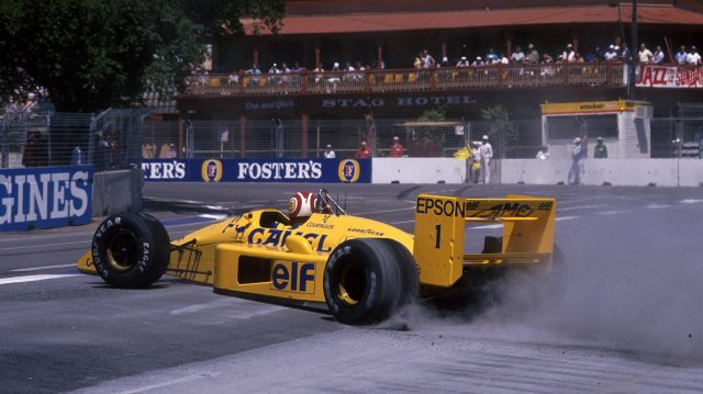 Nelson Piquet (BRA) Lotus 100T, spins but still finished in 3rd place.