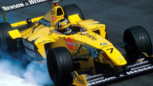 Damon Hill(GBR) Jordan Mugen Honda 199 locks up