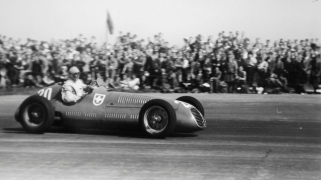 Baron Emmanuel de Graffenried (Maserati 4CLT/48). 1950 British Grand Prix. Silverstone, Great Britain. 13 May 1950. World Copyright - LAT Photographic