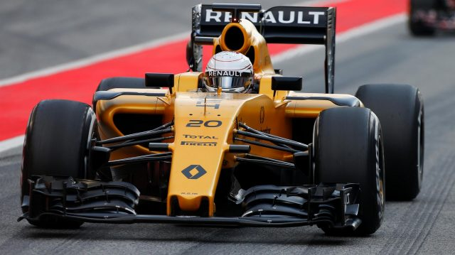 Kevin Magnussen (DEN) Renault Sport F1 Team RS16 at Formula One Testing, Day Two, Barcelona, Spain, 18 May 2016. &copy&#x3b; Sutton Images