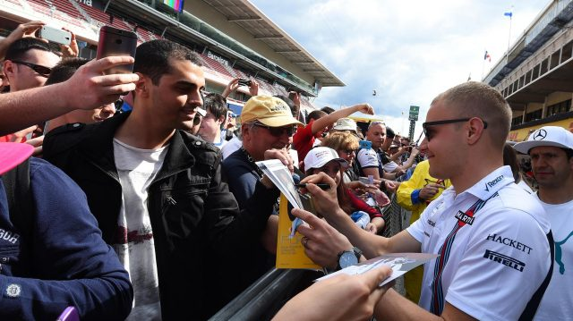 Valtteri Bottas (FIN) Williams signs autographs for the fans at Formula One World Championship, Rd5, Spanish Grand Prix, Preparations, Barcelona, Spain, Thursday 12 May 2016.