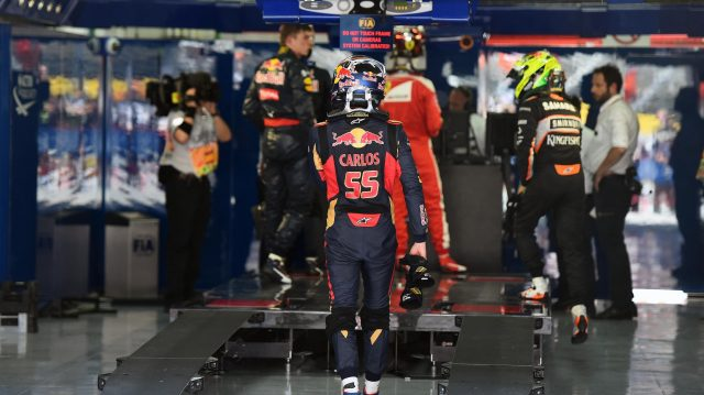 Carlos Sainz (ESP) Scuderia Toro Rosso in parc ferme at Formula One World Championship, Rd5, Spanish Grand Prix, Qualifying, Barcelona, Spain, Saturday 14 May 2016. &copy&#x3b; Sutton Motorsport Images