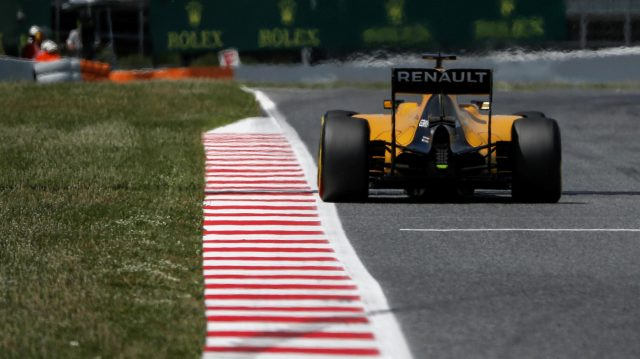 Kevin Magnussen (DEN) Renault Sport F1 Team RS16 at Formula One World Championship, Rd5, Spanish Grand Prix, Qualifying, Barcelona, Spain, Saturday 14 May 2016. &copy&#x3b; Sutton Images