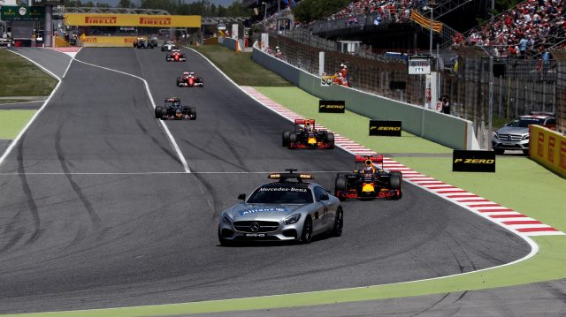 Daniel Ricciardo (AUS) Red Bull Racing RB12 lead out by the Safety Car Formula One World Championship, Rd5, Spanish Grand Prix, Race, Barcelona, Spain, Sunday 15 May 2016. &copy&#x3b; Sutton Motorsport Images
