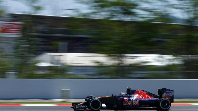 Carlos Sainz (ESP) Scuderia Toro Rosso STR11 at Formula One World Championship, Rd5, Spanish Grand Prix, Race, Barcelona, Spain, Sunday 15 May 2016. &copy&#x3b; Sutton Images