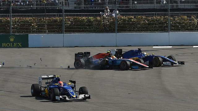 Rio Haryanto (IDN) Manor Racing MRT05 and Marcus Ericsson (SWE) Sauber C35 crash at the start of the race at Formula One World Championship, Rd4, Russian Grand Prix, Race, Sochi Autodrom, Sochi, Krasnodar Krai, Russia, Sunday 1 May 2016. &copy&#x3b; Sutton Motorsport Images