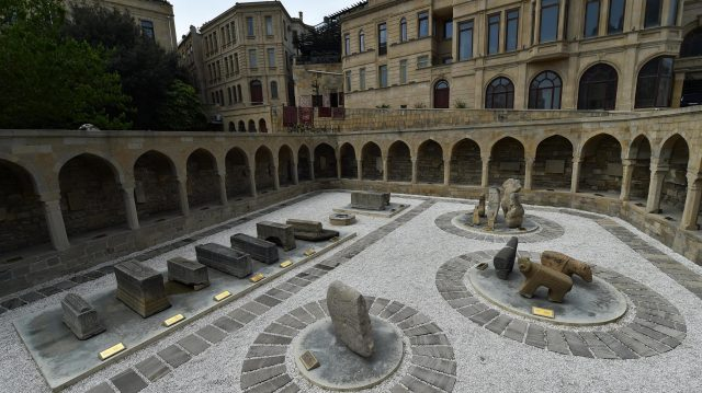 The Old City Courtyard at Baku City Visit, Baku, Azerbaijan, 28-29 April 2016. &copy&#x3b; Sutton Motorsport Images