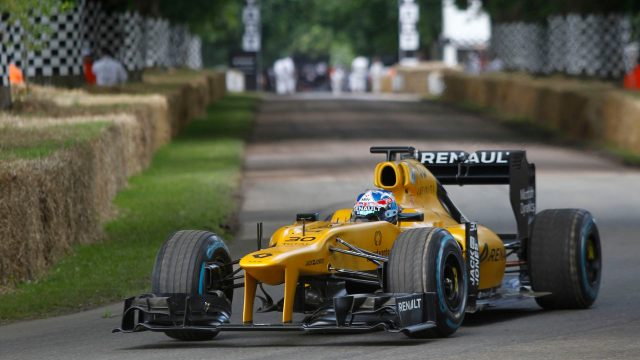 Jolyon Palmer (GBR), Renault F1 Team, at Goodwood Festival of Speed, Goodwood, England, 24-26 June 2016. © Sutton Images