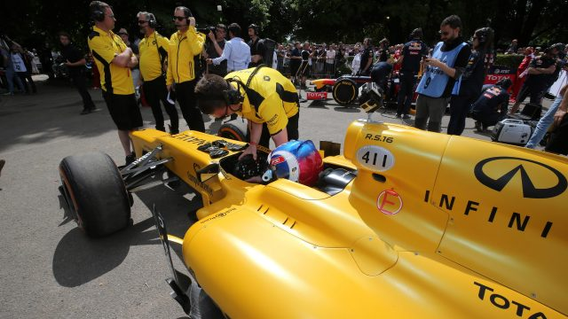 Jolyon Palmer (GBR) Renault Sport F1 Team RS16 at Goodwood Festival of Speed, Goodwood, England, 24-26 June 2016. © Sutton Images
