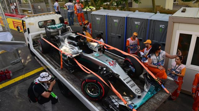 The crashed car of Lewis Hamilton (GBR) Mercedes-Benz F1 W07 Hybrid in Q3 at Formula One World Championship, Rd8, European Grand Prix, Qualifying, Baku City Circuit, Baku, Azerbaijan, Saturday 18 June 2016. &copy&#x3b; Sutton Images