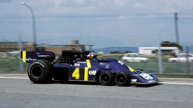 Patrick Depailler qualified third in the first race for the radical Tyrrell P34, but spun out after suffering brake problems on lap 26. Spanish Grand Prix, Jarama, 2 May 1976. ©Sutton Motorsport Images