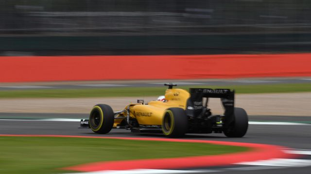Kevin Magnussen (DEN) Renault Sport F1 Team RS16 at Formula One World Championship, Rd10, British Grand Prix, Qualifying, Silverstone, England, Saturday 9 July 2016. &copy&#x3b; Sutton Images