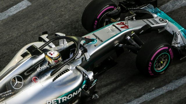 Lewis Hamilton (GBR) Mercedes-Benz F1 W07 Hybrid with halo at Formula One World Championship, Rd15, Singapore Grand Prix, Practice, Marina Bay Street Circuit, Singapore, Friday 16 September 2016. &copy&#x3b; Sutton Images