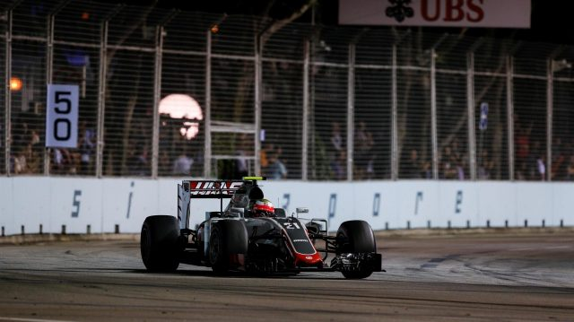 Esteban Gutierrez (MEX) Haas VF-16 at Formula One World Championship, Rd15, Singapore Grand Prix, Practice, Marina Bay Street Circuit, Singapore, Friday 16 September 2016. &copy&#x3b; Sutton Images