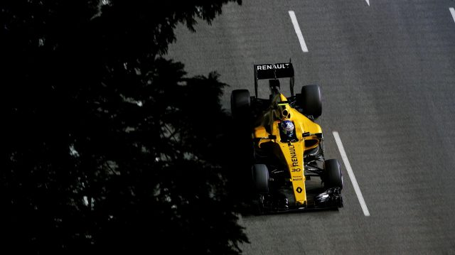 Jolyon Palmer (GBR) Renault Sport F1 Team RS16 at Formula One World Championship, Rd15, Singapore Grand Prix, Practice, Marina Bay Street Circuit, Singapore, Friday 16 September 2016. &copy&#x3b; Sutton Images