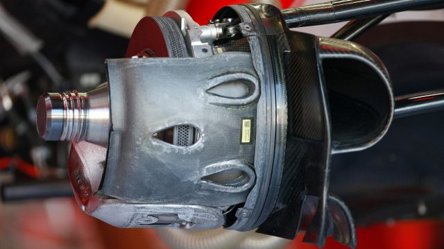 Ferrari SF16-H front wheel hub detail at Formula One World Championship, Rd14, Italian Grand Prix, Preparations, Monza, Italy, Thursday 1 September 2016. &copy&#x3b; Sutton Images