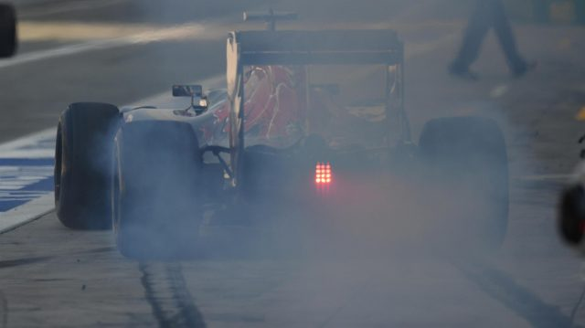 Carlos Sainz jr (ESP) Scuderia Toro Rosso STR11 wheel spin and tyre smoke at Formula One World Championship, Rd14, Italian Grand Prix, Practice, Monza, Italy, Friday 2 September 2016. &copy&#x3b; Sutton Images