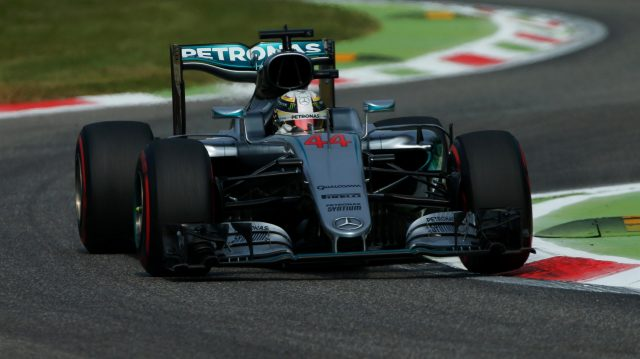 Lewis Hamilton (GBR) Mercedes-Benz F1 W07 Hybrid at Formula One World Championship, Rd14, Italian Grand Prix, Practice, Monza, Italy, Friday 2 September 2016. &copy&#x3b; Sutton Images