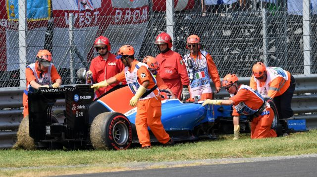 Esteban Ocon (FRA) Manor Racing MRT05 stops on track in Q1 and is recovered by marshals at Formula One World Championship, Rd14, Italian Grand Prix, Qualifying, Monza, Italy, Saturday 3 September 2016. &copy&#x3b; Sutton Images