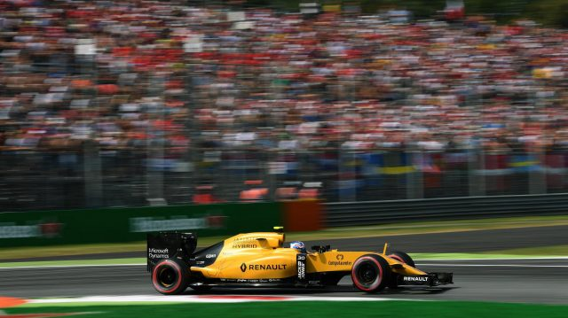 Jolyon Palmer (GBR) Renault Sport F1 Team RS16 at Formula One World Championship, Rd14, Italian Grand Prix, Qualifying, Monza, Italy, Saturday 3 September 2016. &copy&#x3b; Sutton Images