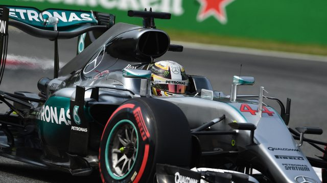 Lewis Hamilton (GBR) Mercedes-Benz F1 W07 Hybrid at Formula One World Championship, Rd14, Italian Grand Prix, Qualifying, Monza, Italy, Saturday 3 September 2016. &copy&#x3b; Sutton Images