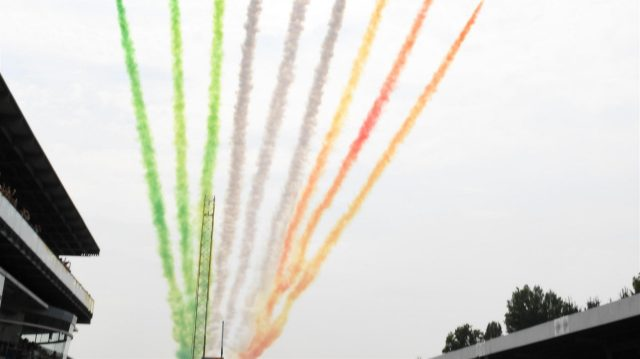 Fly past over the grid at Formula One World Championship, Rd14, Italian Grand Prix, Race, Monza, Italy, Sunday 4 September 2016. &copy&#x3b; Sutton Images