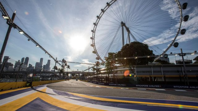 Terack view and Singapore flyer at Formula One World Championship, Rd15, Singapore Grand Prix, Preparations, Marina Bay Street Circuit, Singapore, Thursday 15 September 2016. &copy&#x3b; Sutton Images