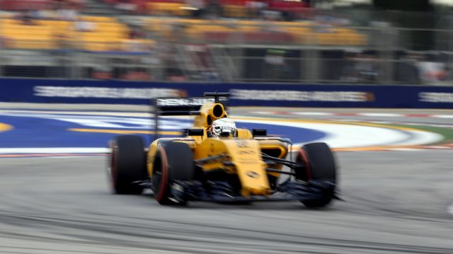 Kevin Magnussen (DEN) Renault Sport F1 Team RS16 at Formula One World Championship, Rd15, Singapore Grand Prix, Practice, Marina Bay Street Circuit, Singapore, Friday 16 September 2016. &copy&#x3b; Sutton Images