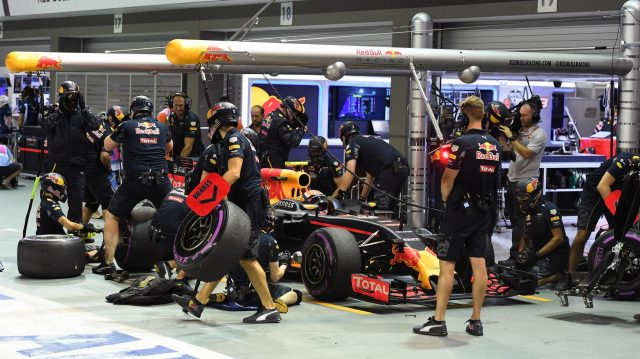 Max Verstappen (NED) Red Bull Racing RB12 makes a practice pitstop at Formula One World Championship, Rd15, Singapore Grand Prix, Practice, Marina Bay Street Circuit, Singapore, Friday 16 September 2016. &copy&#x3b; Sutton Images