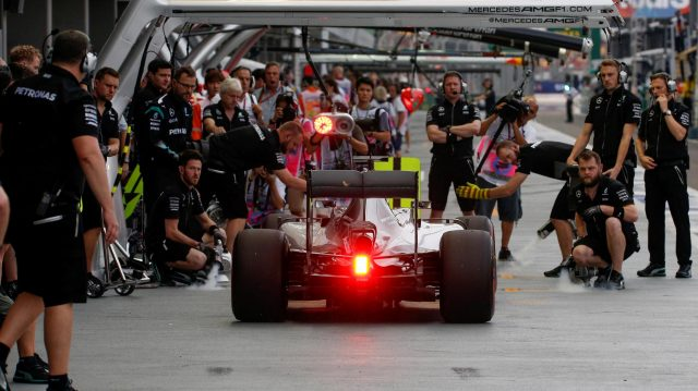 Nico Rosberg (GER) Mercedes-Benz F1 W07 Hybrid at Formula One World Championship, Rd15, Singapore Grand Prix, Qualifying, Marina Bay Street Circuit, Singapore, Saturday 17 September 2016. &copy&#x3b; Sutton Images