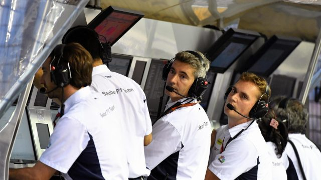 Sauber engineers on the pitwall gantry at Formula One World Championship, Rd15, Singapore Grand Prix, Qualifying, Marina Bay Street Circuit, Singapore, Saturday 17 September 2016. &copy&#x3b; Sutton Images
