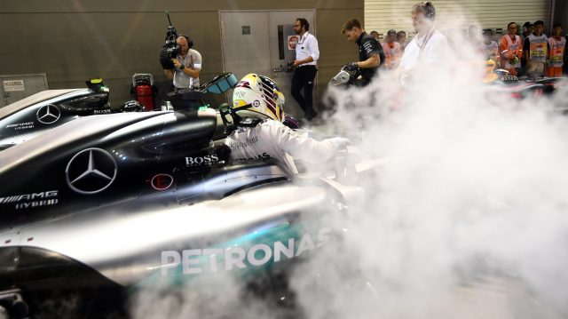 Lewis Hamilton (GBR) Mercedes-Benz F1 W07 Hybrid arrives in parc ferme at Formula One World Championship, Rd15, Singapore Grand Prix, Qualifying, Marina Bay Street Circuit, Singapore, Saturday 17 September 2016. &copy&#x3b; Sutton Images