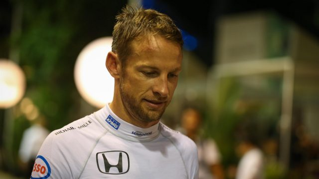 Jenson Button (GBR) McLaren at Formula One World Championship, Rd15, Singapore Grand Prix, Qualifying, Marina Bay Street Circuit, Singapore, Saturday 17 September 2016. &copy&#x3b; Sutton Images