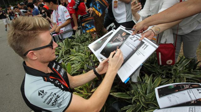 Nico Hulkenberg (GER) Force India F1 signs autographs for the fans at Formula One World Championship, Rd15, Singapore Grand Prix, Qualifying, Marina Bay Street Circuit, Singapore, Saturday 17 September 2016. &copy&#x3b; Sutton Images