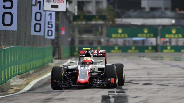 Esteban Gutierrez (MEX) Haas VF-16 at Formula One World Championship, Rd15, Singapore Grand Prix, Qualifying, Marina Bay Street Circuit, Singapore, Saturday 17 September 2016. &copy&#x3b; Sutton Images
