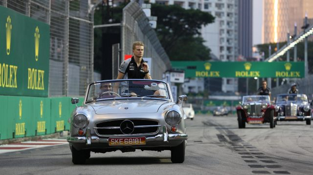 Nico Hulkenberg (GER) Force India F1 on the drivers parade at Formula One World Championship, Rd15, Singapore Grand Prix, Race, Marina Bay Street Circuit, Singapore, Sunday 18 September 2016. &copy&#x3b; Sutton Images