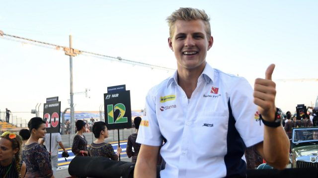 Marcus Ericsson (SWE) Sauber on the drivers parade at Formula One World Championship, Rd15, Singapore Grand Prix, Race, Marina Bay Street Circuit, Singapore, Sunday 18 September 2016. &copy&#x3b; Sutton Images
